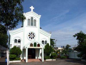 ペット葬儀の宗派は決まっている?自分の宗派でも可能?キリスト教でもできる?